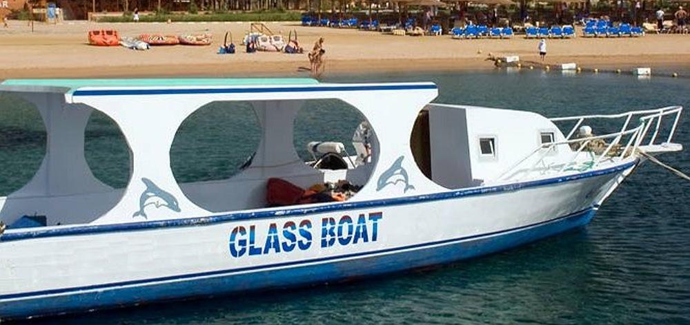 Glass buttom boat in Hurghada - popular sea trip